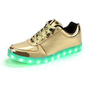 Leuchtschuhe mit grünen LEDs